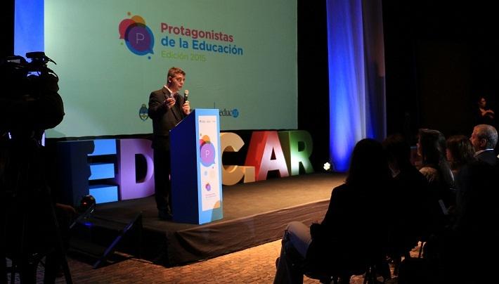 El gerente general de Educ.ar S. E., Rubén D`Audía, dio la bienvenida a los docentes