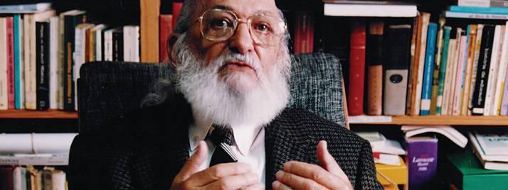 Paulo Freire.